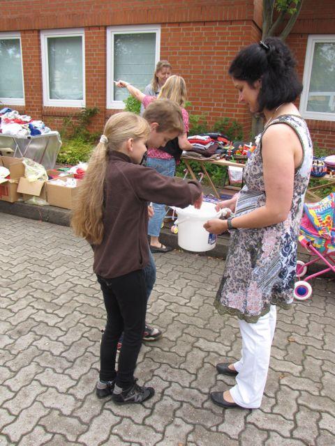 102 Flohmarkt in der Schule